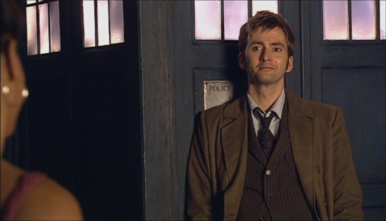 3x01-Smith-and-Jones-doctor-who-18623707-1600-900